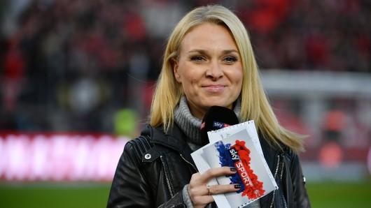 Sky-Moderatorin Britta Hofmann war in einer Live-Übertragung barfuß zu sehen. (Archivbild)