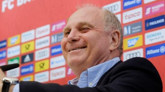 Uli Hoeneß erlebt mit dem FC Bayern München eine schwierige Phase.