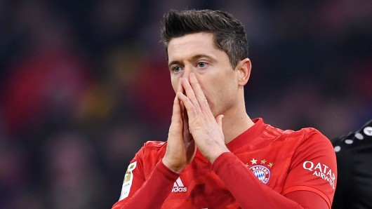 Schock beim FC Bayern München: Robert Lewandowski verpasst das Trainingslager – mindestens.