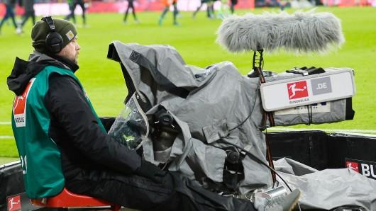 Rechte-Hammer in der Bundesliga! Kartellamt grätscht der DFL in die Ausschreibung.