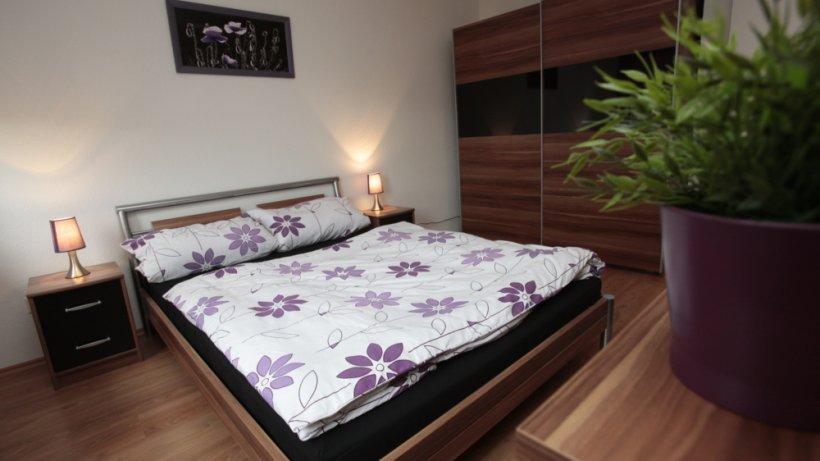 schlafzimmer einrichten ideen f r m bel und deko wohnen. Black Bedroom Furniture Sets. Home Design Ideas