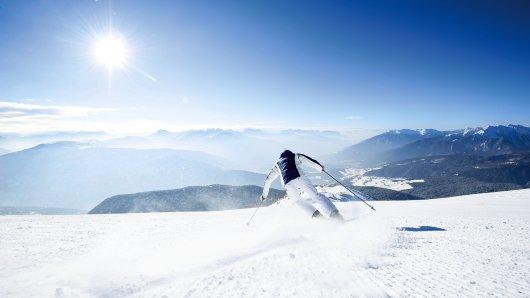 Rasante Abfahrten auf leeren, griffigen Pisten bei strahlendem Sonnenschein: Genau so stellen sich viele ihren Winterurlaub vor.