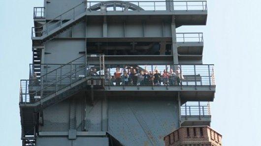Der Aufstieg lohnt sich: Beim Erklimmen des Malakoffturms lernen die Teilnehmer das Bauwerk kennen und blicken über das Ruhrgebiet.