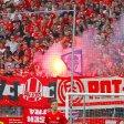 Fußball Niederrheinpokal Finale Rot-Weiss Essen - Wuppertaler SV am 28.05.2016 im Stadion Essen in Essen  Pyrotechnik im heimmischen Stehplatzblock. Foto: Michael Ketzer