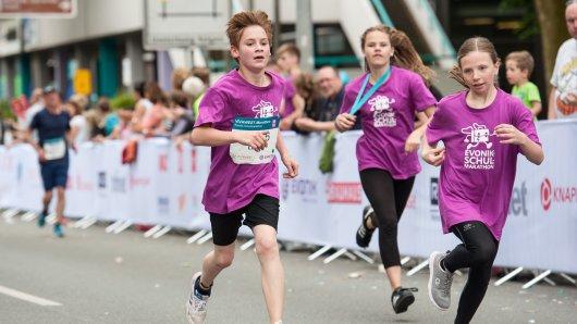 Beim EVONIK-Schulmarathon erleben die Kids wahres Marathonfeeling wie die Profis