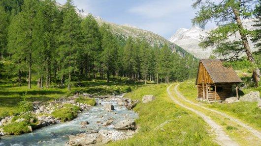 Idylle pur: Wildromantisch ist der Wanderweg hinauf zur Barmer Hütte.