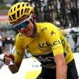 Tour-Sieger mit Sekt-Glasa: Schon vor dem Start der letzten Etappe genehmigte sich Chris Froome einen Schluck.