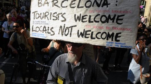 Proteste gegen fehlerhaftes Tourismusmanagement in Spanien