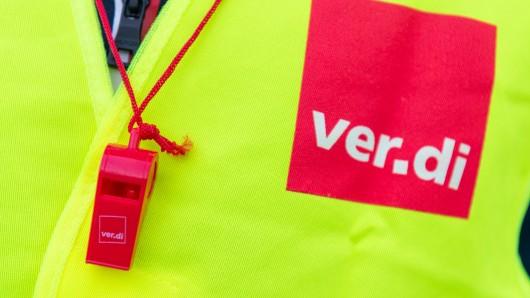 Mit einem Warnstreik der Gewerkschaft Verdi soll der Druck auf die Arbeitgeber im Bund und den Kommunen vor der nächsten Runde der Tarifverhandlungen erhöht werden.