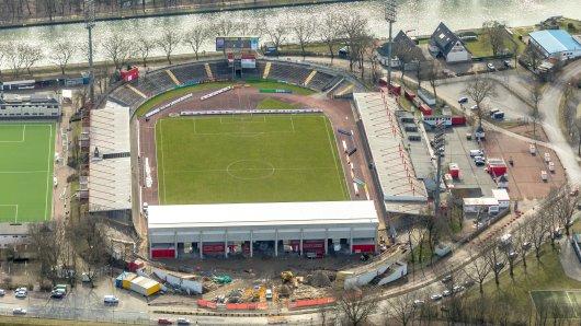 RWO Stadion Niederrhein, Lindnerstraße mit neuer Tribüne, in Oberhausen in Nordrhein-Westfalen.  Oberhausen, Ruhrgebiet, Nordrhein-Westfalen, Deutschland