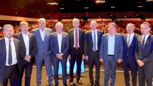 Die Jahreshauptversammlung des VfL Bochum findet am 18.09.2018 in der Kongrshalle in Bochum statt. Kaenzig, Kree, Volpers, Tenhagen, Dr.Eickhott, Villis, Tigges, Goldmann, Schindzielorz Foto: Udo Kreikenbohm/FUNKE Foto Services