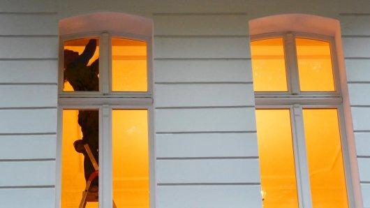 Mit einer Wärmebildkamera lassen sich schlechte Dämmungen und Lecks imGebäude erkennen. Sie kann bei einer anstehenden Renovierung helfen.