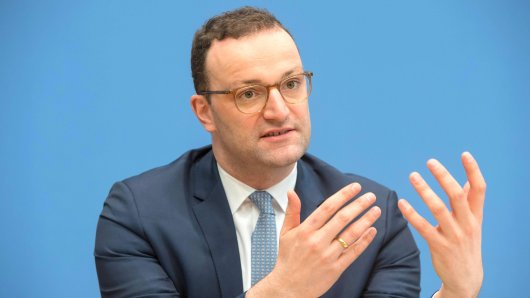 Gesundheitsminister Jens Spahn (CDU) will schnellere Entscheidungen über die Anerkennung neuer Behandlungsmethoden als Kassenleistung.