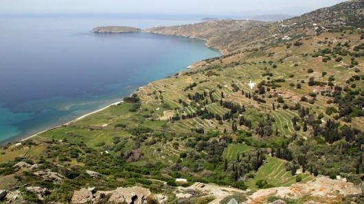 Eiland in der Ägäis: Die Kykladeninsel Andros ist von Athen aus bequem per Fähre zu erreichen.