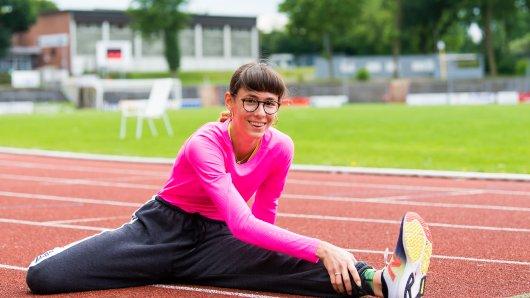 Anastasia Vogel ist ein Top-Talent: Ihr größter Traum ist die Teilnahme bei den Olympischen Spielen. Diesen einzigartigen Moment mitzuerleben, wie Tausende Menschen im Stadion sind, um beim Laufen zuzugucken und anzufeuern.