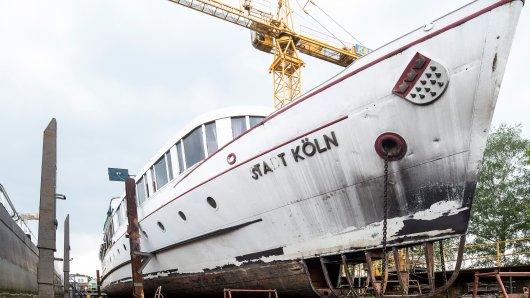 Seit Anfang des Jahres hat das historische Ratsschiff M/S Stadt Köln seinen Platz in der Schiffswerft Deutz und soll dort wieder flott gemacht werden.