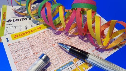 Ein Lottospieler aus dem Hochsauerlandkreis hat als einziger die Gewinnklasse 1 getroffen. Mit 1.316.895,20 Euro steht einer ausgiebigen Karnevalsfeier nichts im Wege.