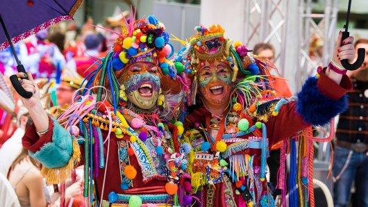 Egal ob Helau oder Alaaf -  einmal im Jahr feiern die Karnevallisten aus ganz NRW zusammen im Landtagsparlament.