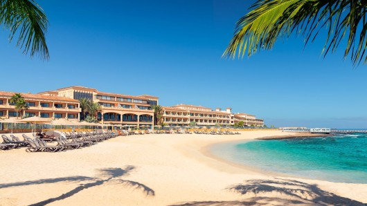 Das 5-Sterne-Deluxe Gran Hotel Bahía Real ist das ideale Ganzjahresziel im Norden von Fuertenventura.