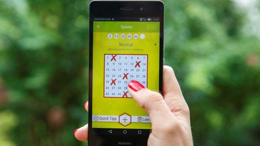 Egal an welchem Ort – mit der WestLotto-App ist das Spielen überall möglich. Außerdem verpasst man keine Gewinnspiele, Sonderauslosungen oder neue Rubbellose.