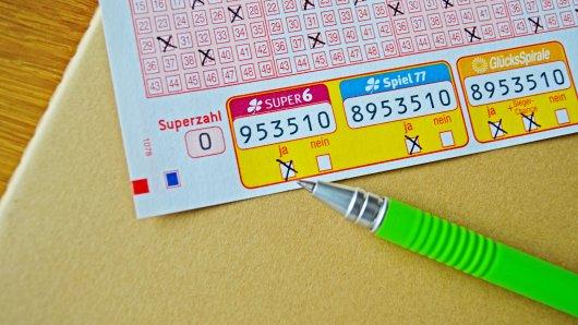 Mit nur einem Kreuzchen bietet die Zusatzlotterie SUPER 6 die Chance auf 100.000 Euro (Chance 1:1 Mio.)