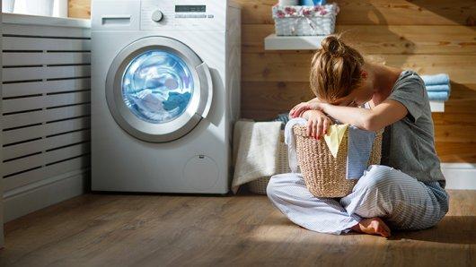 Waschmaschinen verschlingen nicht nur Socken. Eine Frau aus den USA vergaß ihren Tippschein in der Schmutzwäsche – der Millionengewinn ist verloren.