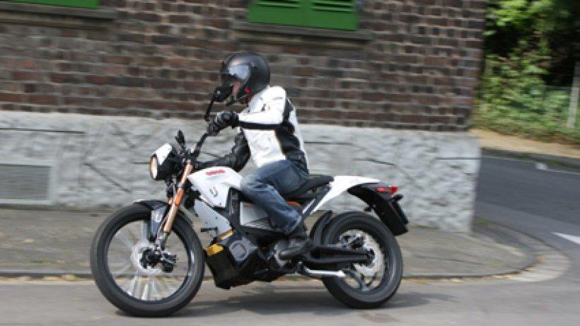 zero xu alltagstaugliches elektro motorrad f r die stadt. Black Bedroom Furniture Sets. Home Design Ideas