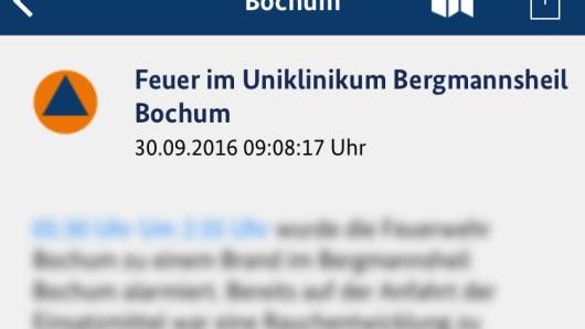 Die Warn-App NINA warnte erst gegen 9:00 Uhr vor dem Brand im Bochumer Bergmannsheil.