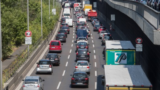 Auf der A40 bei Bochum kam es am Samstag zu einer Sperrung.
