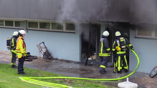 Die Feuerwehr musste zu dem Brand in einem Partyraum ausrücken.