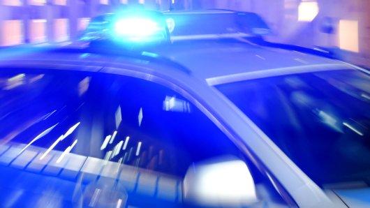 Beim Anblick des nahenden Streifenwagens ergriffen die Täter die Flucht. (Symbolbild)