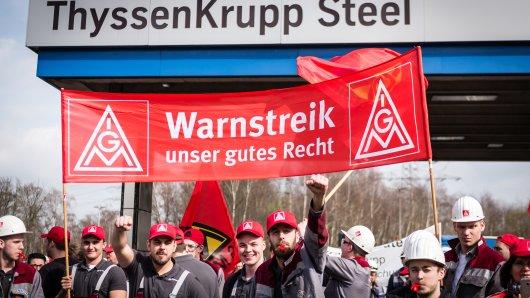 In Bochum droht Stahlarbeitern von thyssen der Abbau von Arbeitsstellen. (Archivbild)