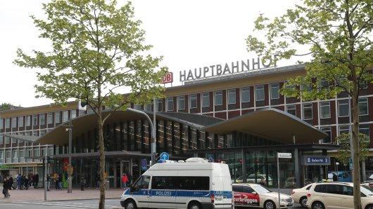 Am Hauptbahnhof Bochum wurde eine Frau brutal geschubst und ausgeraubt. (Archivfoto)