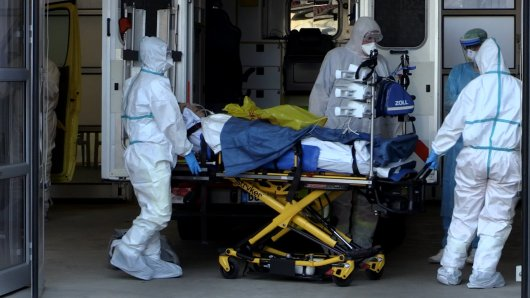 Zwei Corona-Patienten aus Italien sind in die Uniklinik in Bochum verlegt worden.