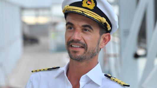"""Wenn """"Traumschiff""""-Kapitän Florian Silbereisen an der Bar einen """"Daiquiri"""" bestellt, solltest du einen schnellen Blick auf deinen Smartspeaker werfen."""
