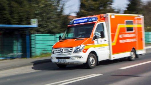 Bochum: Für einen Autofahrer (†53) kam am Freitag in Linden jede Hilfe zu spät. (Symbolbild)