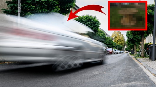 Bochum: Ein Autofahrer hatte Montagnacht gewaltiges Glück. (Symbolbild)