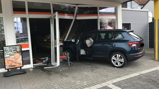 In Bochum kam es auf einem Parkplatz zu einem heftigen Crash.