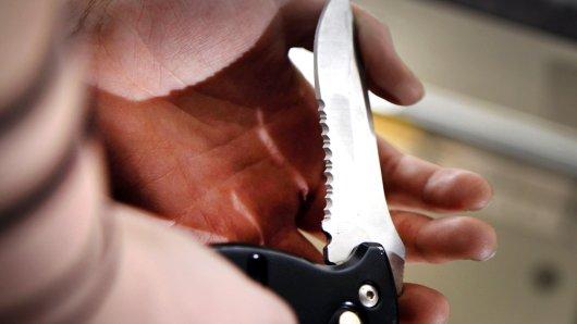 Mit einem Messer wurde in Herne auf einen 23-Jährigen eingestochen. (Symbolbild)