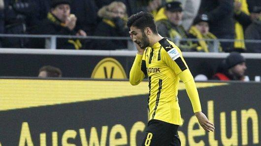 Rückschlag für Nuri Sahin. Der BVB-Spieler musste bei seinem Liga-Comeback verletzt vom Platz.