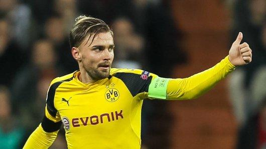 Marcel Schmelzer freut sich über den Gruppensieg.
