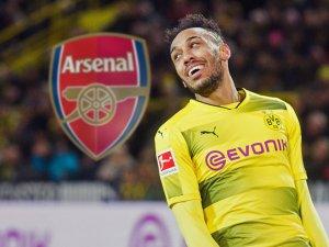Pierre-Emerick Aubameyang flirtet offensiv mit dem FC Arsenal und befeuert somit neue Gerüchte.