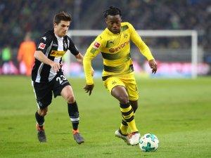 """Michel Batshuayi überzeugte in seinen ersten Spielen für Borussia Dortmund. Laut der """"Daily Mail"""" soll es zu einem spektakulären Tauschgeschäft kommen."""