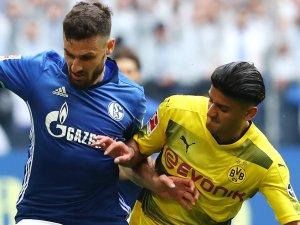 Sky oder DAZN? Die Spiele von Borussia Dortmund und FC Schalke 04 in der Champions League laufen in dieser Saison auf zwei verschiedenen Sender.