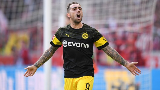 Paco Alcacer traf für Borussia Dortmund auch in Stuttgart, musste dann aber ausgewechselt werden.