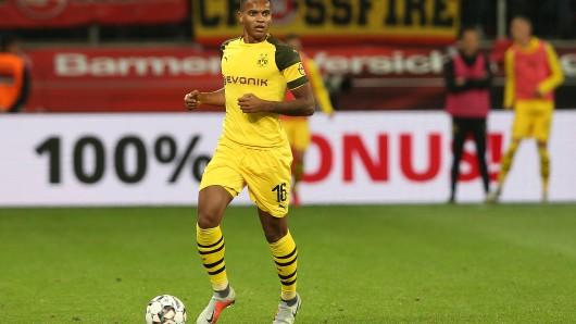 Manuel Akanji von Borussia Dortmund kann nicht nur Fußball spielen – er ist auch noch ein richtiges Ass im Kopfrechnen.