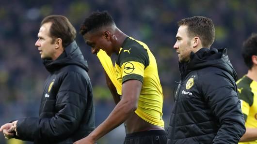 Vor dem Spiel zwischen Schalke und Dortmund hat Dortmund in der Abwehr personelle Engpässe.