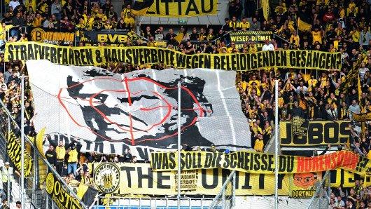 Fans von Borussia Dortmund hatten beim Spiel in Hoffenheim dieses Banner gezeigt.