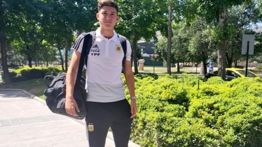 Leo Balerdi soll schon auf dem Weg nach Deutschland sein.