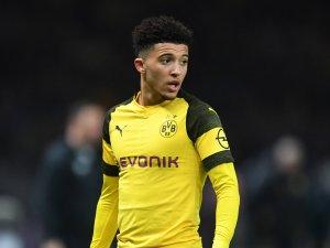 Jadon Sancho heizt die Gerüchte um einen Wechsel von Borussia Dortmund zu Manchester City an.